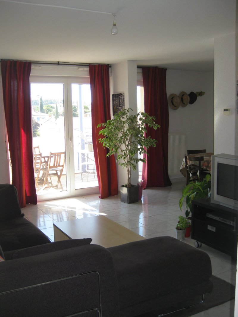 Vente appartement 4 pieces de 78 m2 30200 bagnols sur ceze for Salle a manger 10m2